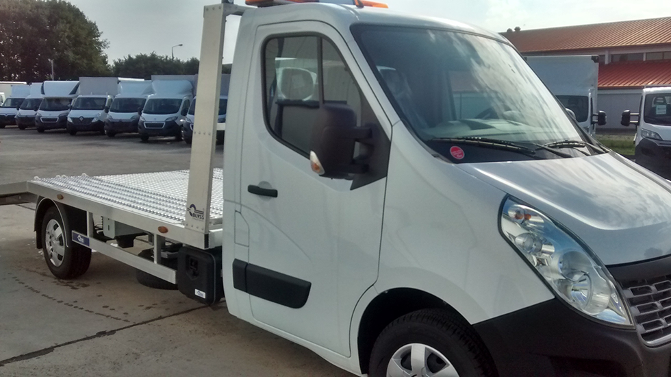 pkw transporter mieten autotransporter abschleppwagen 3 5. Black Bedroom Furniture Sets. Home Design Ideas